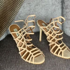 Size 10 Nude Steve Madden heels